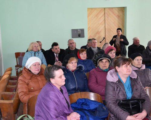 Микола Козарчук зустрівся з жителями с. Буки