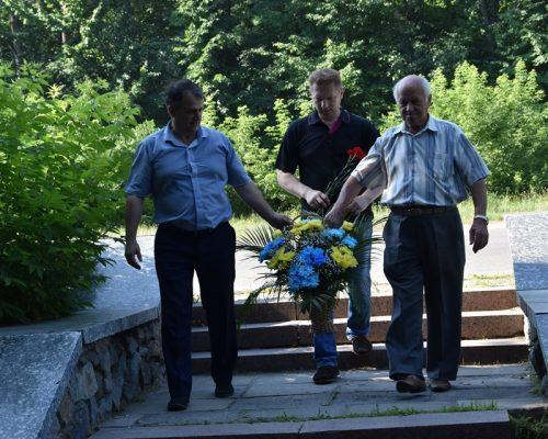 У Житомирському районі пройшли меморіальні заходи з нагоди Дня Скорботи і вшанування пам'яті жертв війни в Україні