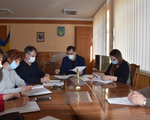 Голова райдержадміністрації провів оперативну нараду з керівниками медичних установ району