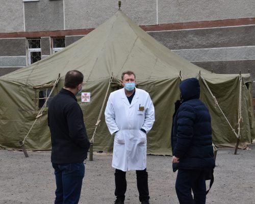 Рятувальники району встановили намети для тимчасових пунктів прийому та сортування хворих