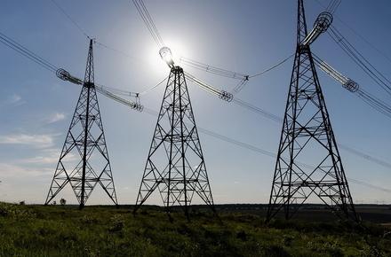 Держенергонагляд відреагував на звернення жителів Високої Печі щодо неякісного електропостачання: перекладатимуть лінію