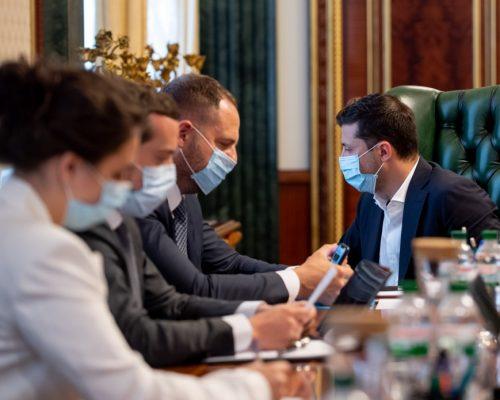 Президент провів традиційну селекторну нараду щодо запобігання поширенню коронавірусу