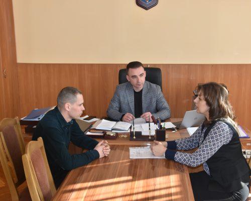 Юрій Денисовець розпочав знайомство з керівництвом територіальних громад району